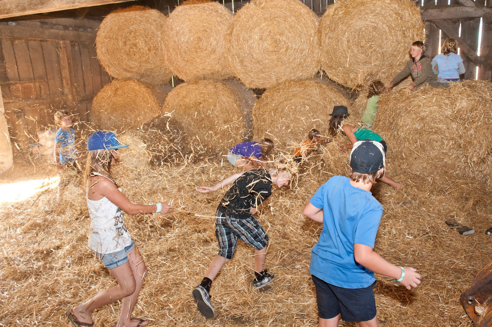NEW: Indoor playground with hay bouncing and trampoline jumping